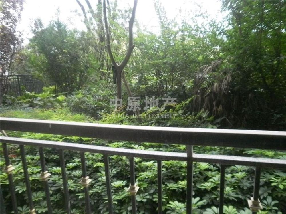 保利高尔夫华庭-阳台