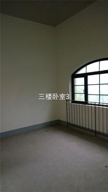 东原香山-次卧